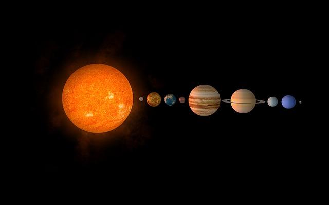 太陽系の端から端までの距離はど...